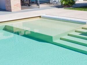 Béžový bazén-plastový